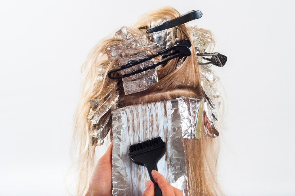 tips for long hair ~ hair chalk